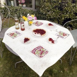 Aïda : Strawberry & Raspberry Tablecloth