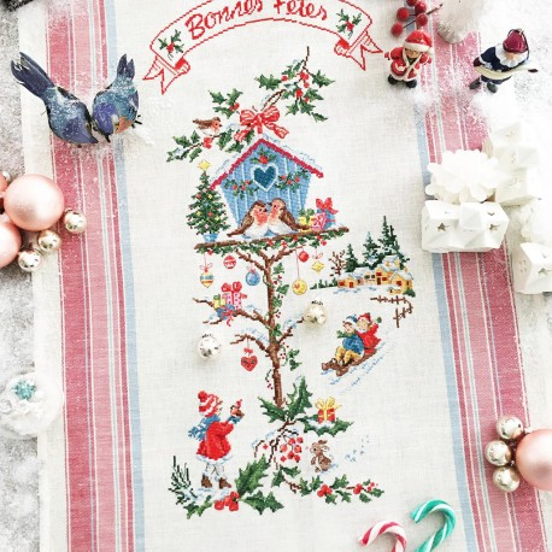Aïda  «  Le nichoir de Noël  » Tea towel