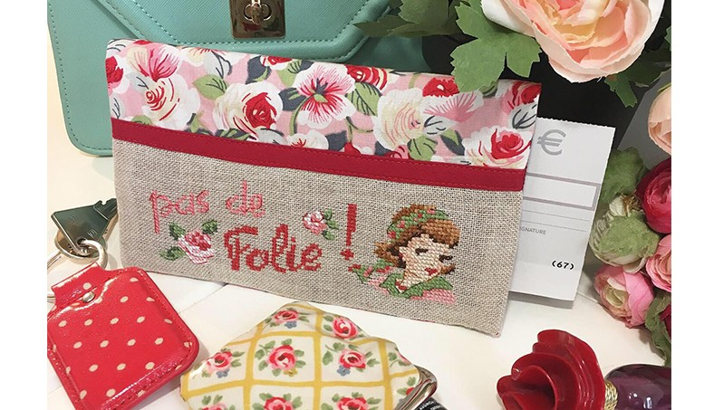 « Pas de folie » Checkbook holder
